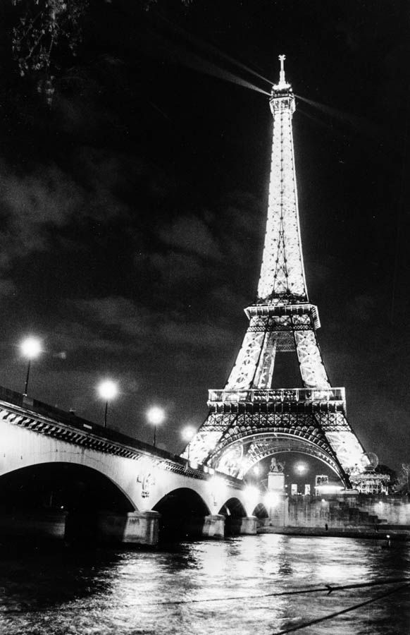 EveningInParis-113051.jpg